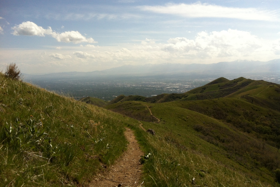picture of the foothills of Salt Lake City in early spring