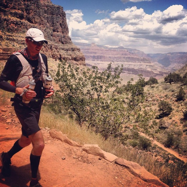 Running Grand Canyon Rim to Rim to Rim with Amphipod Air Flow Endurance in combo with Ultimate Direction WASP